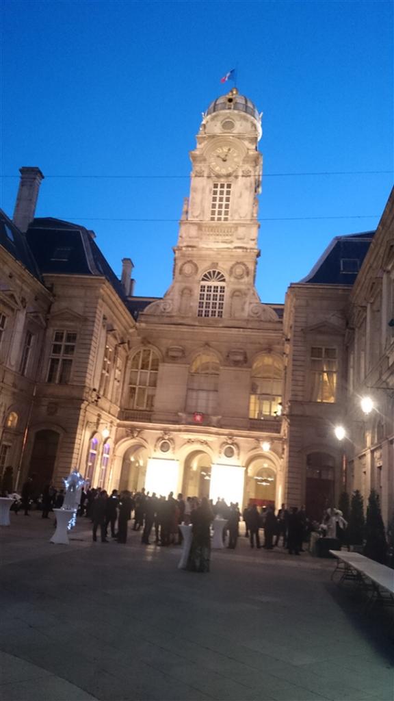 Fra mottakelsen i Rådhuset i Lyon.