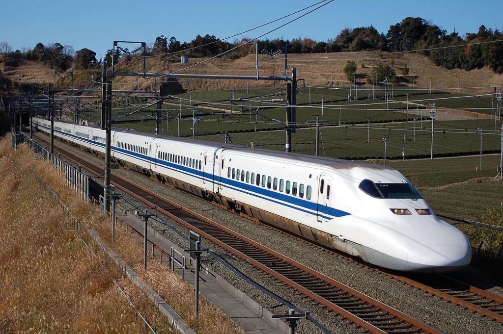 Tohoku Shinkansen fra Tokyo til Koriyama stasjon, ca 1 time 25 min på 200 km.