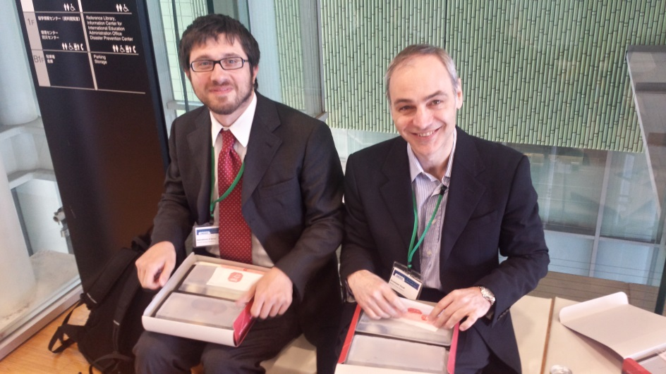 Salvatore D'Arco og Giuseppe Guidi, begge fra SINTEF Energi, med lunsjen.