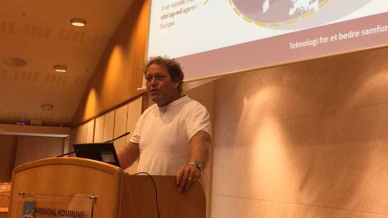 Frederic Hauge fra Bellona avsluttet seminaret med råd til hvordan COP21 delegasjonen skal få gjennomslagl