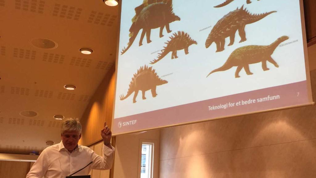 Nils Røkke fra SINTEF snakket om hvor avgjørende CO2 fangst og lagring er for å nå klimamålene. Ellers kan det gå med oss som med dinosaurene.