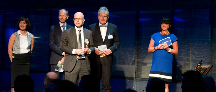 Four researchers from SINTEF spoke about CCS, offshore wind, the lab and climate- and energy research. From left: Mona J. Mølnvik, John O. Tande, Dag Eirik Nordgård, Nils A. Røkke and master of ceremonies Ingeborg Lund, SINTEF. Photo: SINTEF/Melhuus
