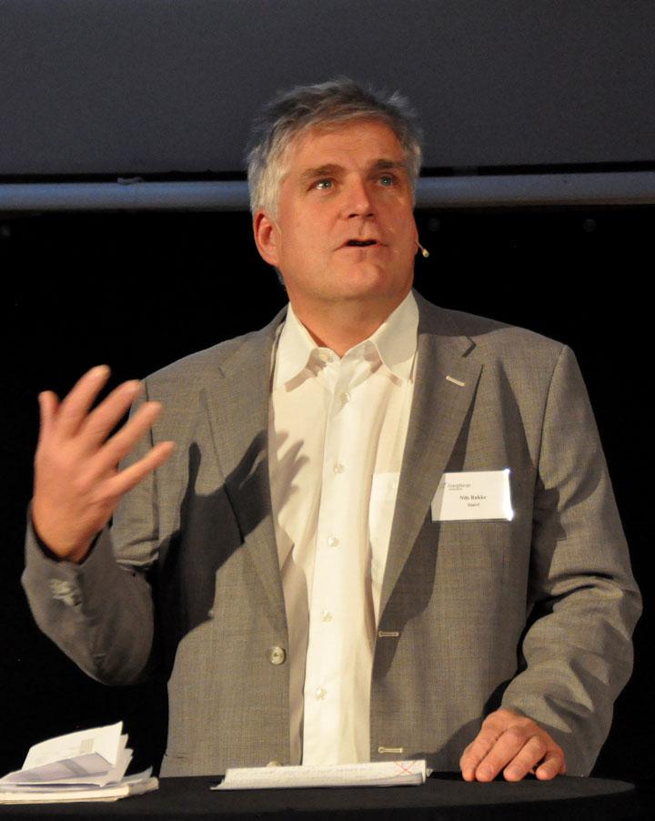 Blant foredragsholderne var blant annet SINTEFs egne Nils Røkke. Foto: SINTEF/Harald Danielsen.