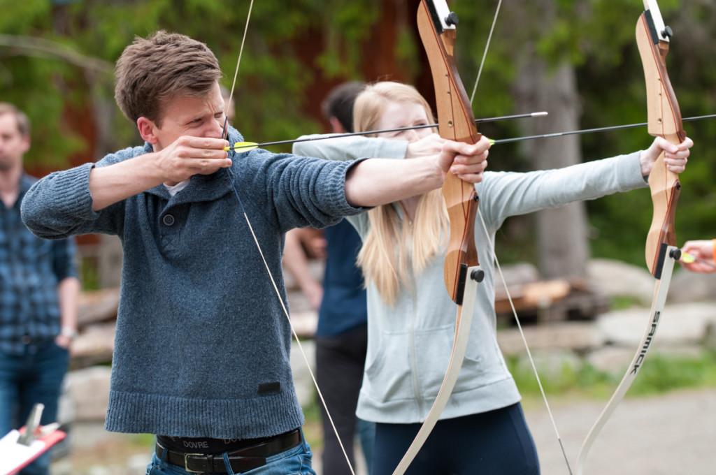 Kristian Skeie (SINTEF Byggforsk) og Monika Nikolaisen (sommerforsker SINTEF Energi) i helspenn.