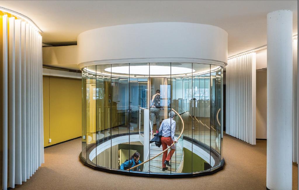 Verdens peneste trapp som også er en ventilasjonssjakt? Ja! sier ZEB. (Power House Kjørbo, ZEB)