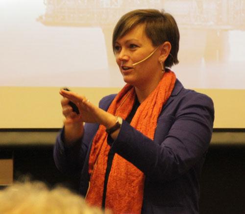 Kristin Myskja presenting