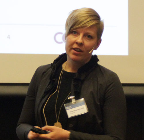 Nina Einaasen Flø presenting
