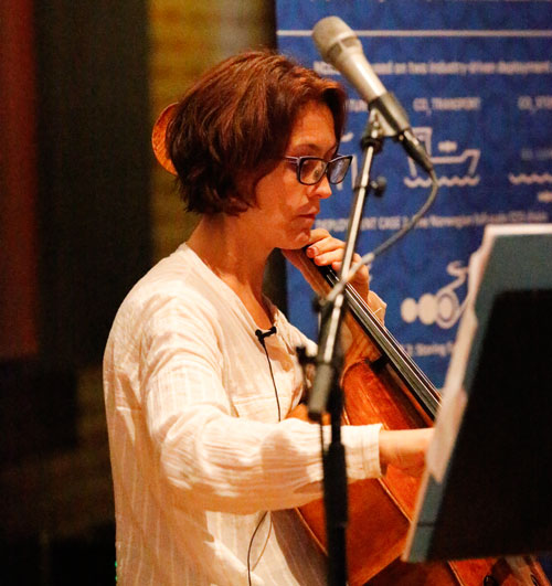 Marianne Baudoin Lie playing her cello
