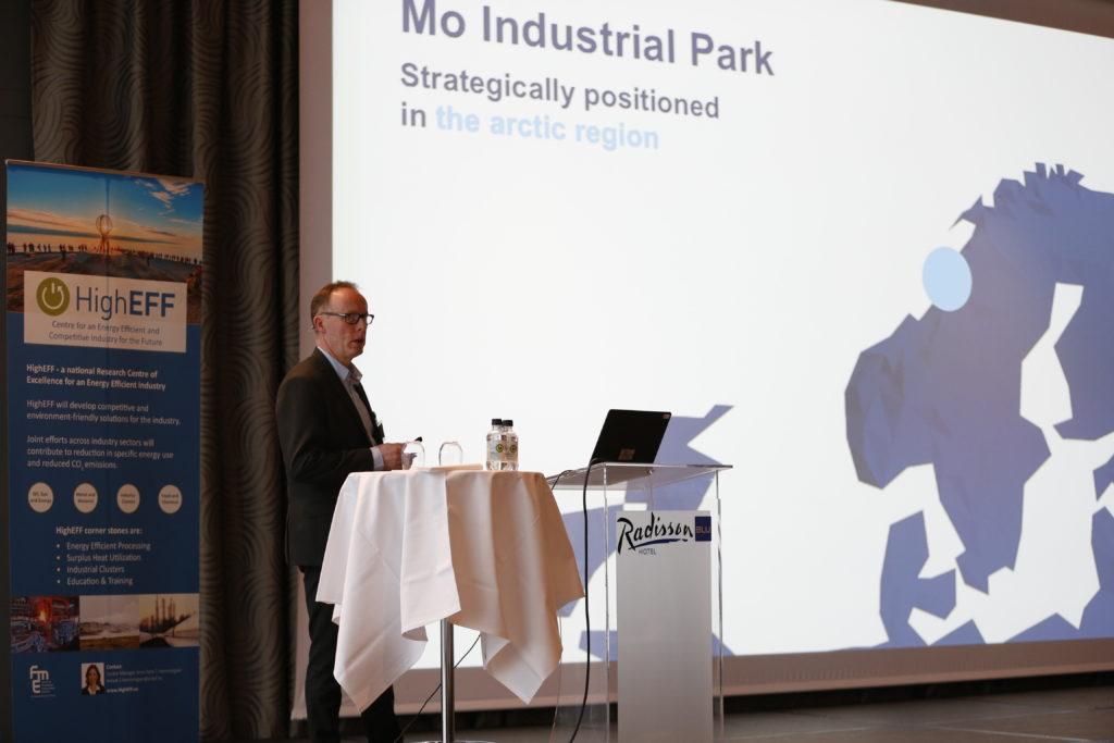 Terje Lillebjerka from Mo Industripark spoke about energy efficiency in an industry cluster. Foto: SINTEF/Gry Karin Stimo.