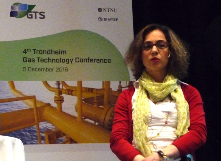 Eleni Panteli presenting