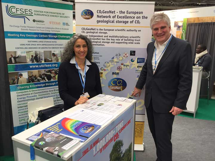 Samuela Vercelli and me on the CO2Geonet-stand