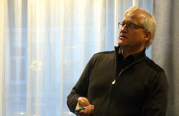 Tor Bjørge presenting