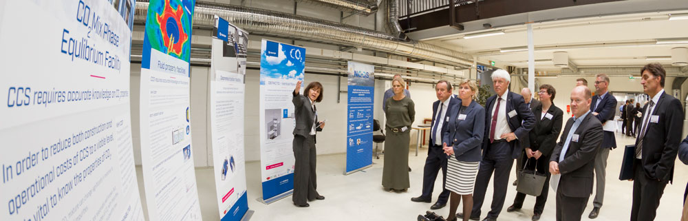 Mona Mølnvik, Research Director SINTEF, presenting new and vital laboratory infrastructure.