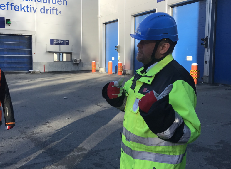 . Johnny Stuen, Technical Director at the City of Oslo, gives a tour of the facilities at the waste incineration plant at Klemetsrud
