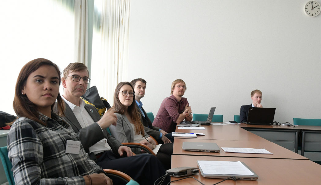 Geraldine Torín-Ollarves, J P Martin Trusler and Cristina Bertulli (Imperial College London), Hans L. Skarsvåg and Åsmund Ervik (SINTEF) and Benedikt Semrau (Ruhr-University Bochum) discussing thermo- and fluid dynamical aspects of CO2 injection and storage. Photo: Svend T. Munkejord.