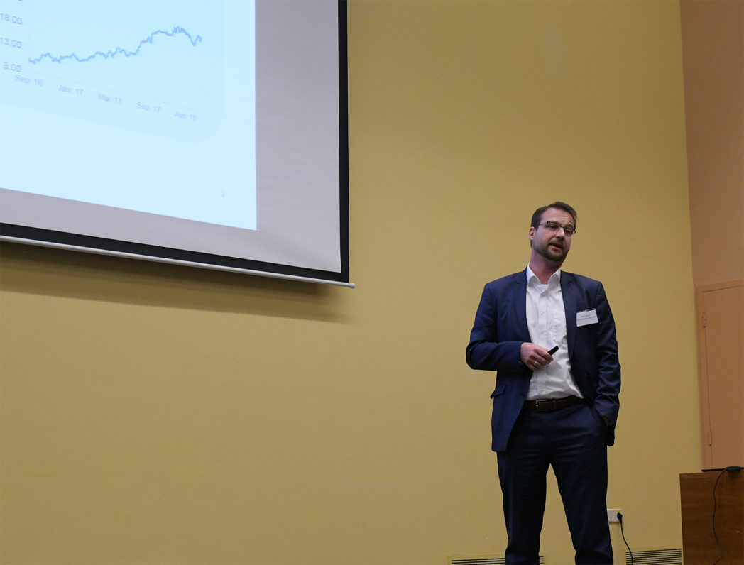 René Schoof (Uniper) talked about low-carbon hydrogen in natural gas infrastructures. Photo: Svend T. Munkejord.